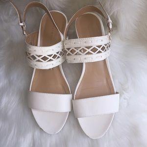 ☀️Tommy Hilfiger Wedge Sandals, White 9M